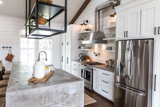 Modern Farmhouse Laundry Room Cabinet Hardware   One Room Challenge Week 3